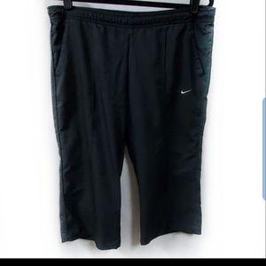 Nike Black Capri Activewear Pants Size Lar…